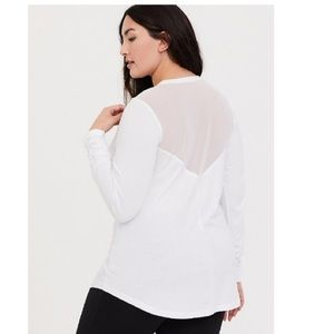 WHITE MESH LONG SLEEVED ACTIVE TEE